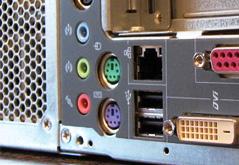 La connectique écran, clavier, souris